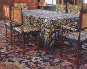 Tafelkleed en stoelbekleding van Van der Gucht in het Deutzenhofje, Prinsengracht te Amsterdam - Amsterdam