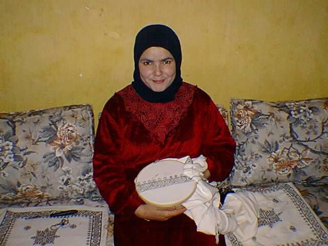 Marokkaans borduren volgens de techniek van Fez: een kussen in wording