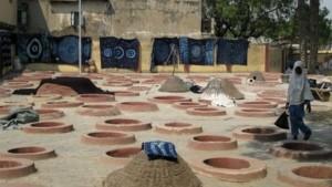 Indigo-verfputten in Kano, Noord-Nigeria