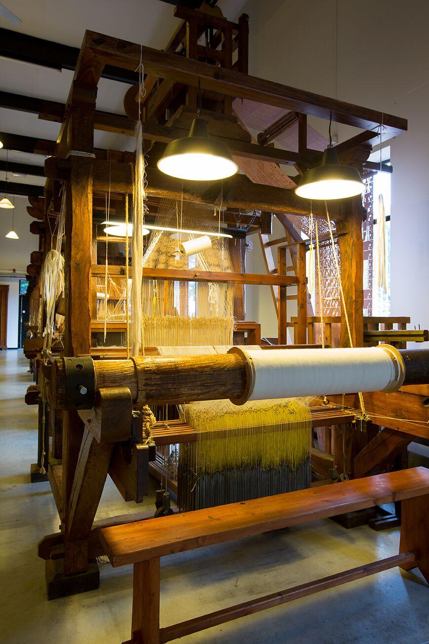 Textielmuseum - 19de eeuwse jacquardweefgetouw - foto Tommy de Lange