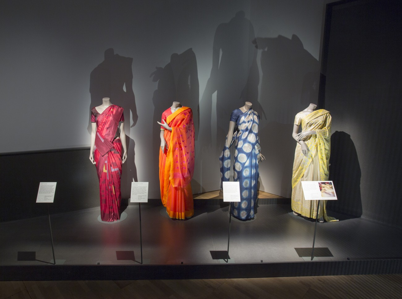 Hedendaagse sari's - The Fabric of India - Victoria & Albert Museum