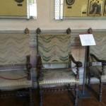 Drie stoelen in het Bargello Paleis in Florence, geborduurd in 'punto unghero', 17de eeuw.