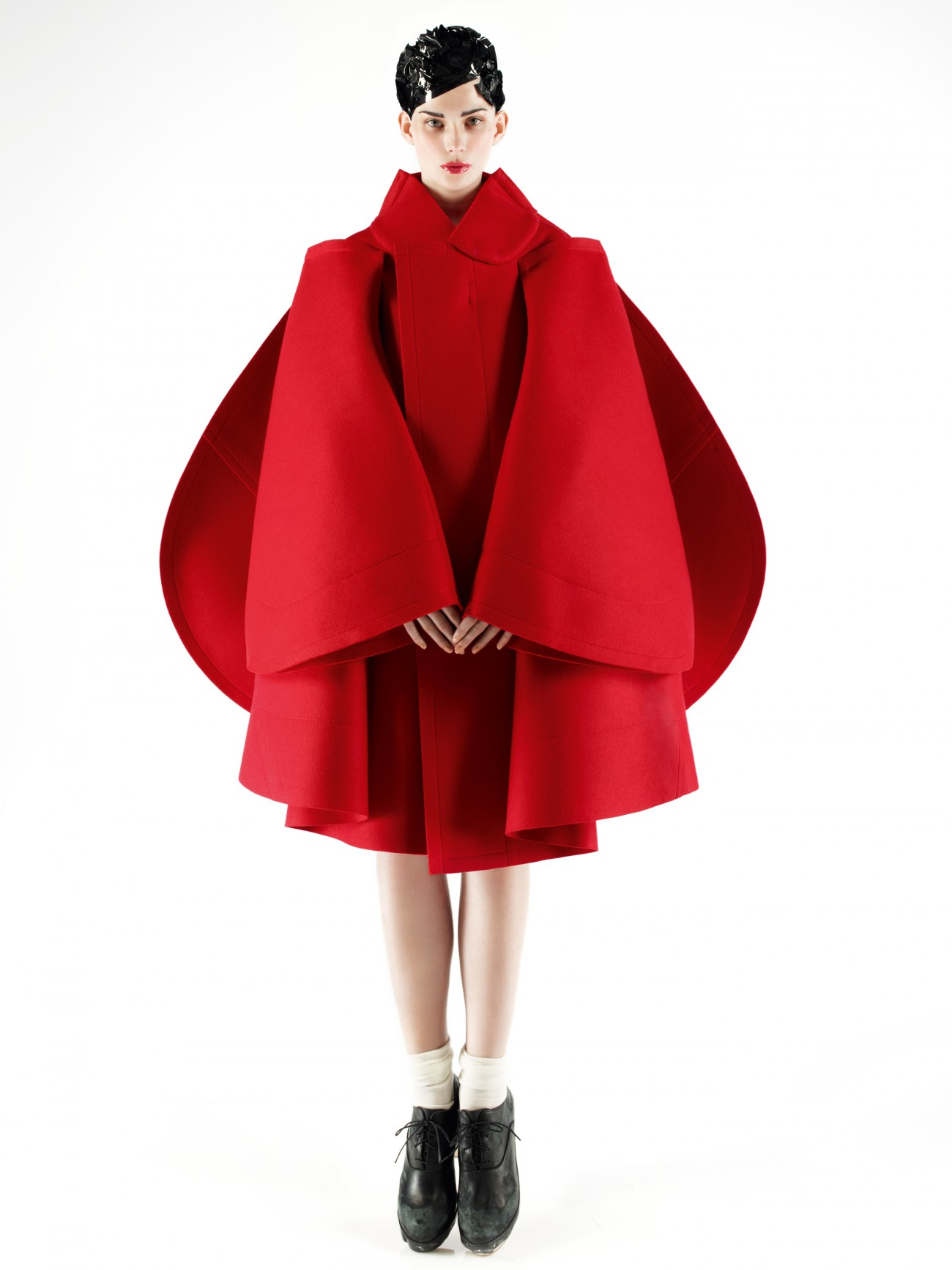 Comme des Garçons, herfst-winter 2012-13, foto Mark Segal, model Monika Sawicka.