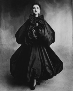 Cristobal Balenciaga, herfst-winter 1950, foto Balenciaga Archives.