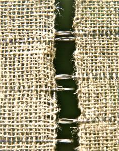 Detail van het weefwerk 'Zegening' door Ardie den Boer.