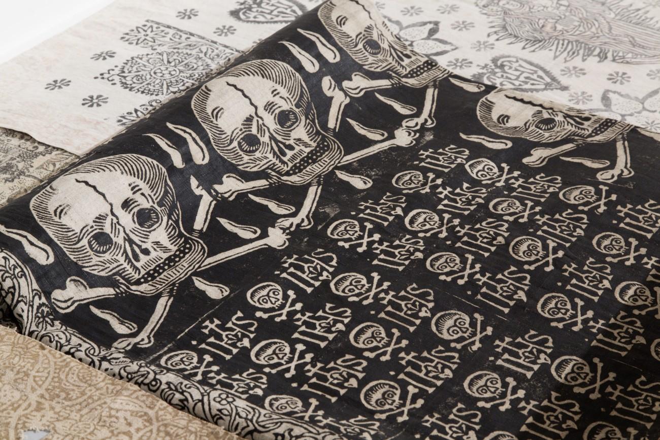 Doodskistdoek, bedrukt linnen, 17de eeuw - foto Stefan Rohner.