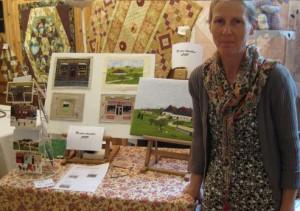Martine Apaolaza met een aantal van haar werken.