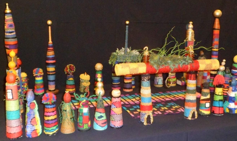 Weefkring Goes - Geweven objecten, geïnspireerd door Hundertwasser.