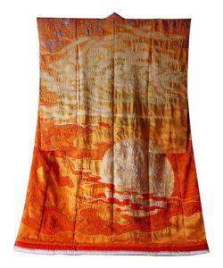 Kimono met een afbeelding van een landschap.