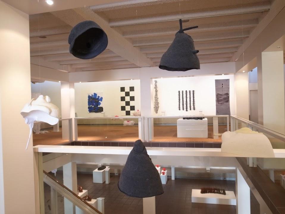 Asia-Europe Fiber Art III - Overzichtsfoto tentoonstelling in het Deutsches Textilmuseum in Krefeld, Duitsland - 2014.
