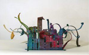 Geweven schaal gemaakt door Roos Cox.