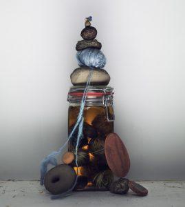 Werkmaterialen van Claudy Jongstra - foto Marcel van der Vlugt.
