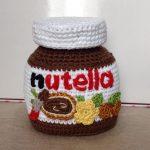 Best nog een uitdaging om zo'n potje Nutella na te breien.