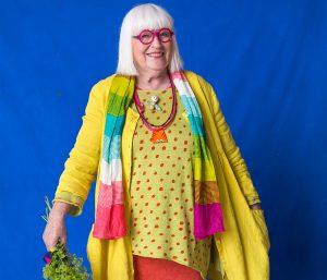 Gudrun Sjödén en kleurrijk horen bij elkaar, dat is duidelijk.