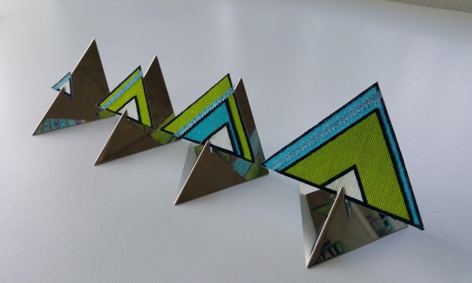 Spel met driehoekjes en kant - José Besters-Uilenbroek.