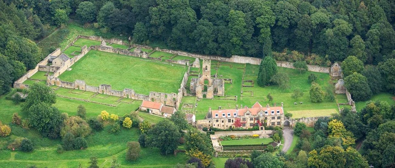Luchtfoto van Mount Grace Priory.