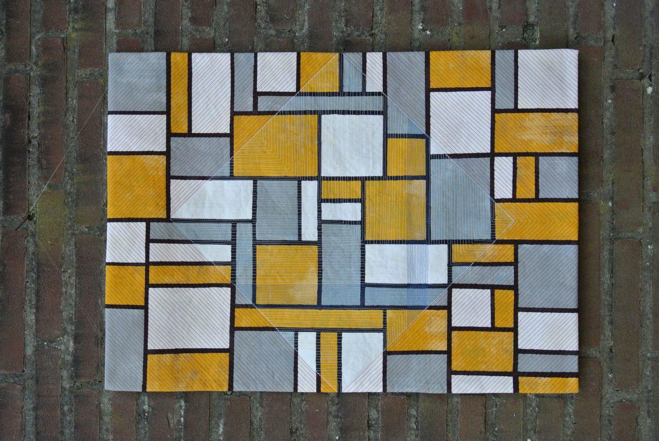 Anneke Schoone - Compositie in geel en grijs.