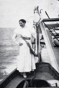 Mata Hari op het schip Hollandia onderweg naar Engeland, september 1916.