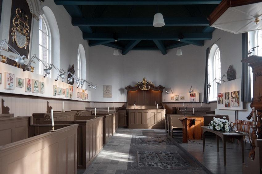 De tentoonstellingsruimte nu in de kerk uit 1776.