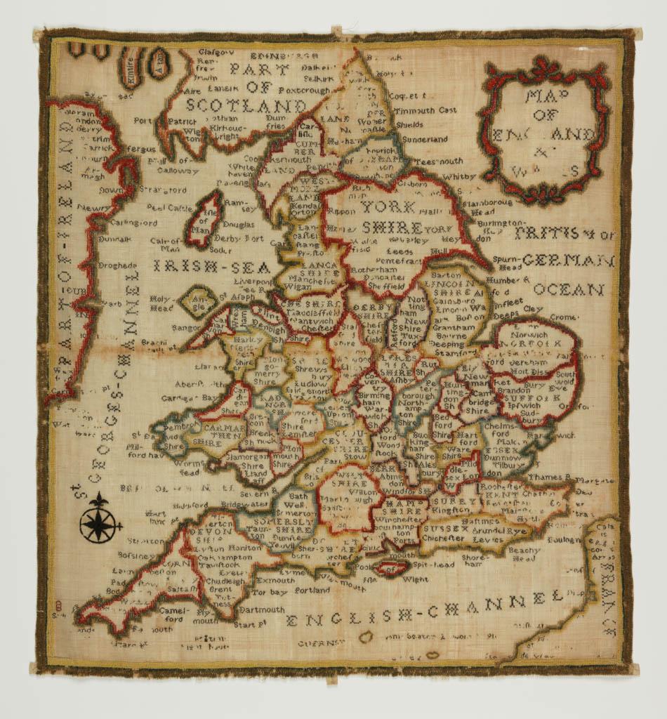 Quaker merklap, zgn. 'map sampler' uit 1790 door Ann Seaton. Wol, geborduurd met gekleurde wolgaren, 48 x 52 cm.