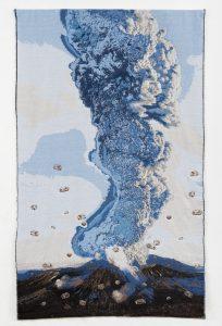 Marielle van den Bergh - vulkaan, weefsel en borduursels.