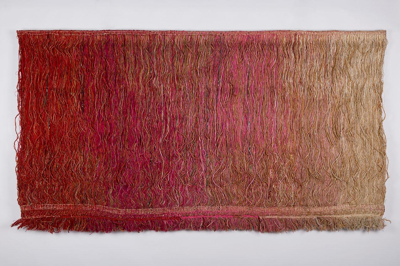 Rood van Désirée Scholten, 1975, 300 x 155 cm - foto Josefina Eikenaar.
