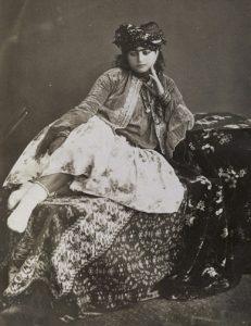 'De schone Perzische', Antoin Sevruguin, rond 1880–1895, albume-afdruk.