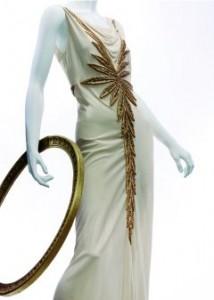 Avondjapon met sleep gedecoreerd met goudborduursel - Handwerkwereld