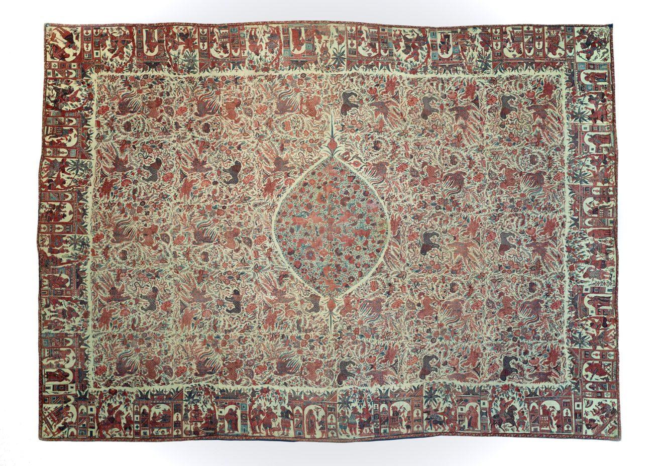 Het oudste object van chintz in Nederland is een wandtapijt met mythische dieren en figuratieve motieven in de rand uit circa 1650 - Chintz Cotton in Blooms - Handwerkwereld