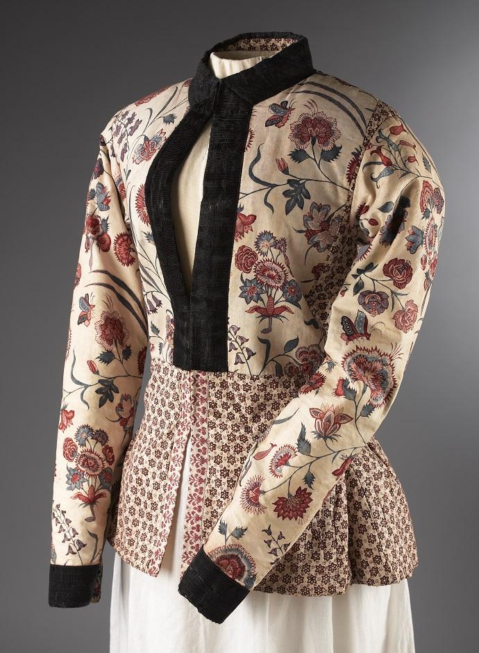 Hindeloopen onderjasje van chintz circa 1700-1725 - Chintz Cotton in Blooms - Handwerkwereld