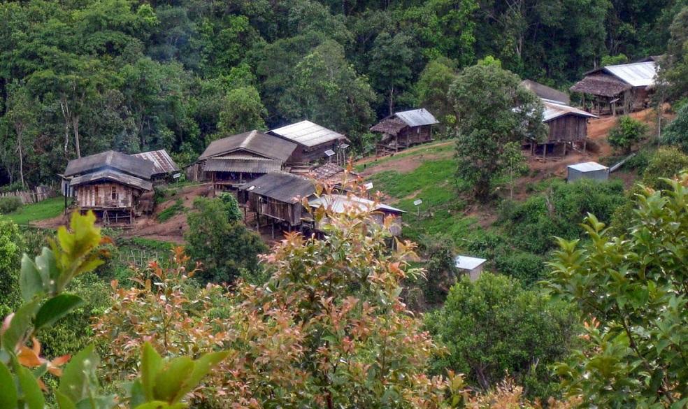 Karen-dorp in Noord-Thailand - foto Greg Goodman - Handwerkereld