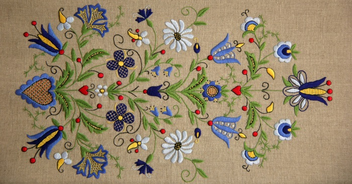 Kasjoebisch borduurwerk op naturel linnen - Handwerkwereld