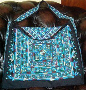 Tas in traditioneel Yao-borduurwerk - Handwerkwereld