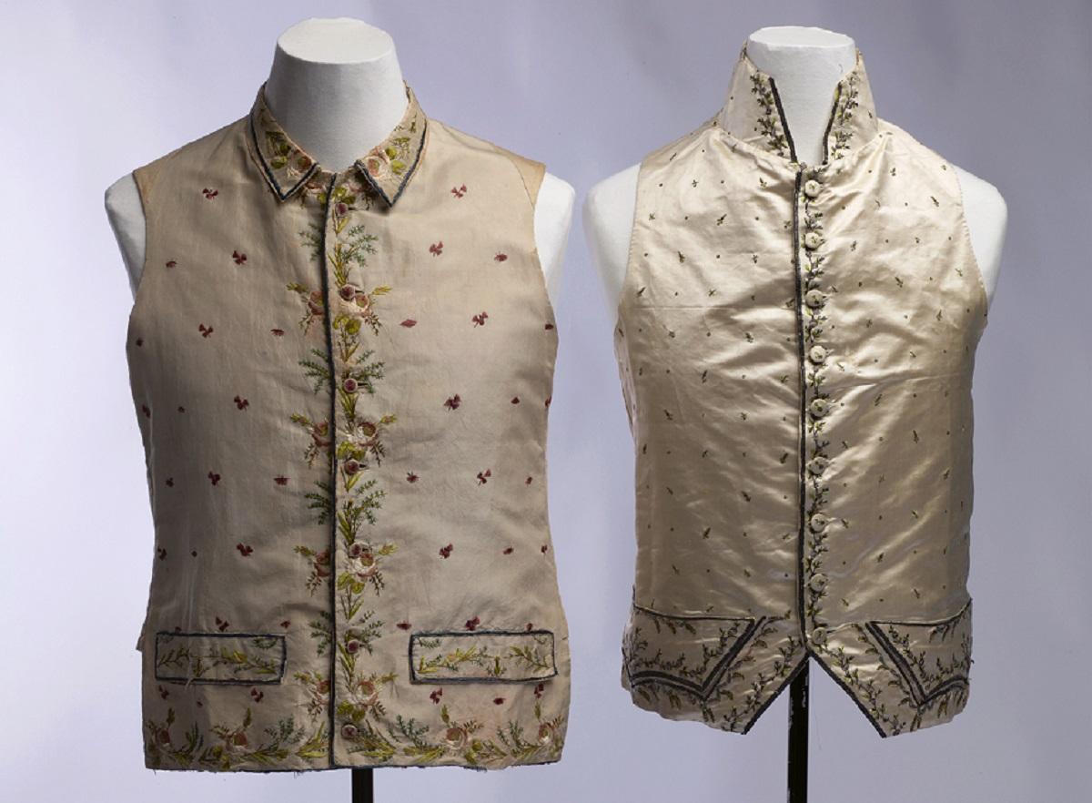 Twee mannenvesten, 1780-1800, collectie Fries Museum - foto Erik & Petra Hesmerg - Haute Bordure - Handwerkwereld