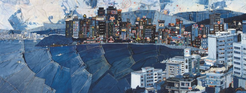 Choi So Young - A Sightseeing City, jeans, koord, garen en acrylverf op canvas, 185 x 483 cm, 2010