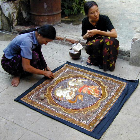 Het afwerken van de Shwe chi doe - Handwerkwereld