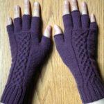 Gebreide handschoen met Keltische motieven - Handwerkwereld