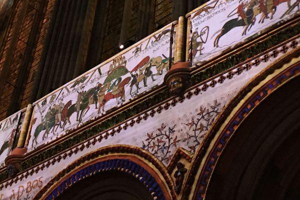 Reconstructie van hoe de Tapisserie de Bayeux ooit in de kathedraal van Bayeux heeft gehangen - Handwerkwereld