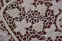 Decoratie met boullionknopen als druiven - Handwerkwereld
