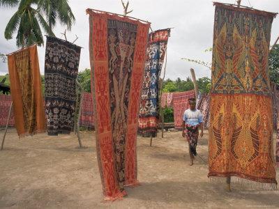 Ikatweefsels hangen te koop - Handwerkwereld