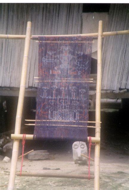 Staand weefgetouw - Sumba ikat - Handwerkwereld