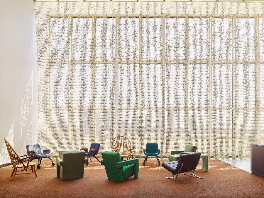 De Delegates Lounge van de Verenigde Naties met het Knots & Beads Curtain - Handwerkwereld