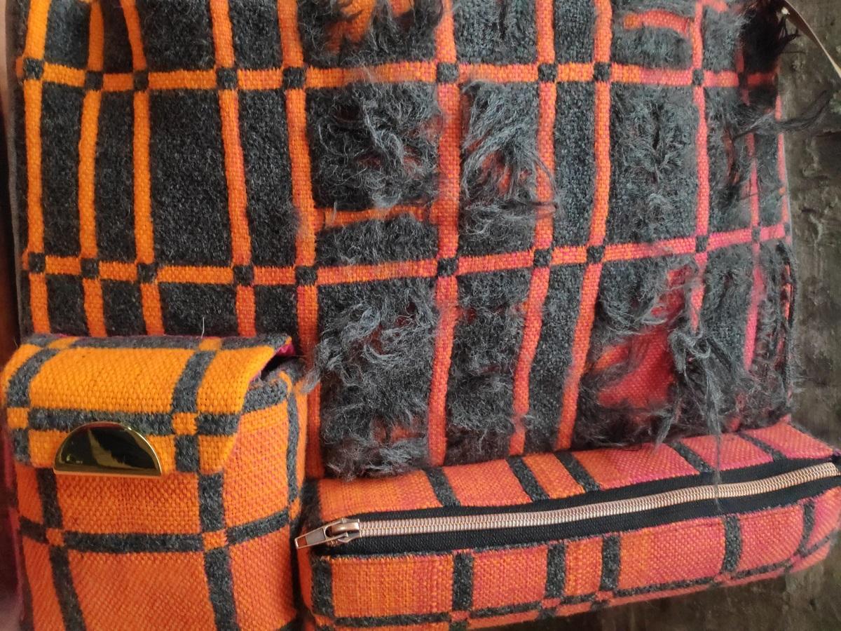 Handgeweven tassen van Weefgroep De Bollenstreek - Leids Wevershuis Textielfestival - Handwerkwereld