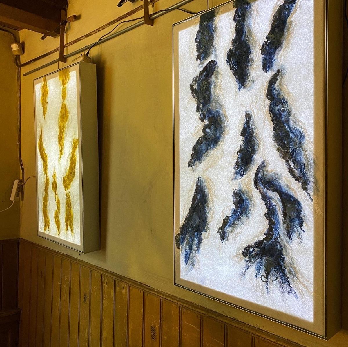 Lichtpanelen met er voor gespannen vilt door Margot van Leeuwen - Handwerkwereld