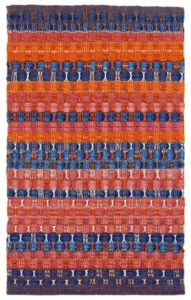 Red and Blue Layers, 1954, katoen, 61,6 x 37,8 cm - foto The Josef and Anni Albers Foundation - Handwerkwereld